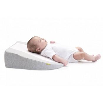Bebé deitado numa Almofada Inclinada Cosymat Smokey Babymoov